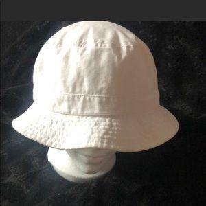 Accessories - White bucket hat
